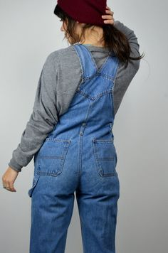 1990s Vintage denim overalls! Made by Jordache ♥ Done in a blue denim cotton. Adjustable shoulder straps. XS fit, with a fitted bodice. Slightly flared legs with flowers at hems ♥  SIZE: XS TAG: L / 12-14 BRAND: Jordache Excellent Vintage Condition: Some light wear around the hemlines. Measurements: Waist: 30 Hips: 39 Inseam: 29 Rise: 20 crotch to top of bib   Brook-Lynnes Measurements; bust: 28 waist: 25 hips:32 Height: 5 2  *Any overpayment exceeding $4 USD will be refunded back to you...