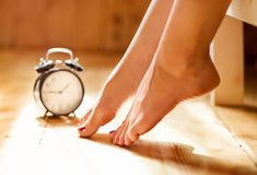 Restless Legs Syndrome: 16 Natural Remedies and Treatment for RLS