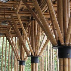 Taller de Diseño Arquitectónico : Fundación Escuela para la Vida Bamboo Roof, Bamboo Poles, Bamboo Fence, Bamboo Construction, Construction Design, Bamboo Architecture, Architecture Details, Bamboo House Design, Earth Bag Homes