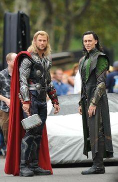 Thor and Loki...I <3 them!