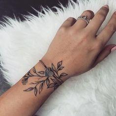 Mini Tattoos On wrist; meaningful tattoos 30 Mini Tattoos On Wrist Meaningful Wrist Tattoos Mini Tattoos, Love Tattoos, Beautiful Tattoos, Body Art Tattoos, Awesome Tattoos, Beautiful Meaningful Tattoos, Woman Tattoos, Henna Body Art, Subtle Tattoos