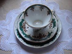 Plauen Kaffeegedeck Porzellan Manufaktur braune Rosen grüne Ranken und Goldrand