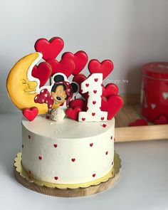 23 New Ideas Cupcakes Fondant Girl Minnie Mouse Mickey Cakes, Mickey Mouse Cake, Minnie Mouse Cake, Fondant Girl, Fondant Cupcakes, Cupcake Cakes, Girl Cupcakes, Pastel Mickey, Bolo Mickey
