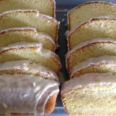 Lemon iced lemon pound cake: In search of the best lemon pound cake--I'll start with this one. No Bake Desserts, Delicious Desserts, Dessert Recipes, Yummy Food, Tasty, Pound Cake Recipes, Pound Cakes, Cup Cakes, Dessert Bread