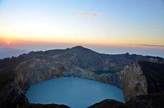 Kelimutu, el volcán con los tres lagos de colores. Flores (Indonesia)
