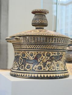 Photographed at the Metropolitan Museum of Art in New York City, New York. Ancient Greek Art, Ancient Greece, Ancient Egypt, Historical Artifacts, Ancient Artifacts, Archaic Greece, Greek Pottery, Greek History, Pet Urns