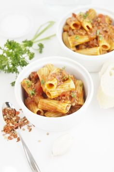 Weeknight Meat Sauce with Rigatoni