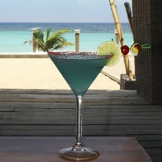 Cocktails at the beach are the best! West Bay Beach, Roatan
