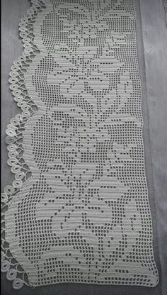 This Pin was discovered by HUZ Crochet Edging Patterns, Filet Crochet Charts, Crochet Lace Edging, Crochet Borders, Cotton Crochet, Crochet Doilies, Crochet Stitches, Crochet Baby, Knit Crochet
