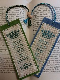 quilting like crazy Cross Stitch Alphabet Patterns, Cross Stitch Books, Cross Stitch Bookmarks, Cross Stitch Art, Cross Stitch Flowers, Cross Stitch Designs, Cross Stitching, Hand Embroidery Videos, Hand Work Embroidery