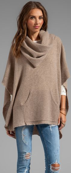 360 Sweater Laurel Cashmere Poncho in Heather Camel Fall 2013 - love the kangaroo pocket! Mode Outfits, Fall Outfits, Mode Style, Style Me, Moda Fashion, Womens Fashion, Mode Cool, Cashmere Poncho, Poncho Sweater