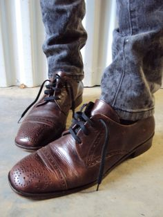 Vintage Brown Leather Brogue Oxford Wing tip by nanapatproject, $48.00