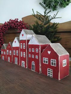 Scrap Wood Crafts, Wood Block Crafts, Barn Wood Crafts, New Years Decorations, Christmas Decorations, Holiday Decor, Christmas Wood, Christmas Crafts, Small Wooden House