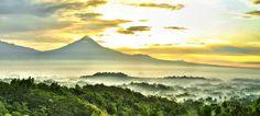 Tempat Wisata Populer di Magelang - Destinasi wisata wajib dikunjungi saat ke borobudur. Liburan di Magelang, Candi Borobudur, Bukit Rhema / Gereja Ayam