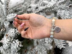 Maradjunk meg a téli hangulatnál! Jó reggelt mindenkinek! Ne feledjétek nyereményjátékunkat!! Csodálatosan szép napot mindenkinek! Sweety Dreams Online Shop #tel #tél #havas #snow #winter #bracelet #bracelets #karkoto #karkötő #webshop #webshopping #nyereményjáték #ajándék #ajándékötlet #gift #giftideas #present #presents🎁 #valentinsday #valentines_day Fashion Bracelets, Gemstone Rings, Valentines, Gemstones, Jewelry, Valentine's Day Diy, Jewlery, Gems, Jewerly