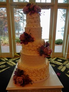 tall roses wedding cake wwwcheesecakeetcbiz wedding cakes charlotte nc