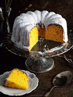 Blame It On This Decadently Rich, Tender, Cake-Like Polish Brioche recipe on Food52.com