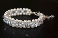 Beautiful white glass pearls bracelet white by OxyFineCrafts