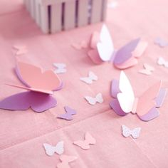 Butterfly Centerpieces with Personalized Table di SetToCelebrate