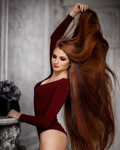 Showing her hair in full glory. Beautiful Red Hair, Gorgeous Redhead, Perfect Redhead, Pretty Hair, Beautiful Ladies, Long Red Hair, Very Long Hair, Redhead Girl, Girl Hairstyles