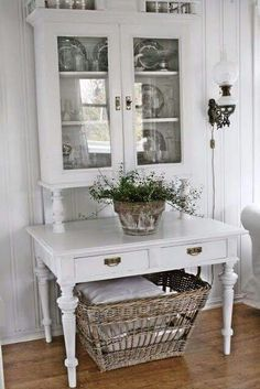 Perfect French Shabby Chic Interior Design – Shabby Chic Home Interiors Decor, Chic Furniture, French Inspired Decor, White Decor, Chic Decor, Home Decor, Shabby Chic Room, Shabby Chic Homes, Chic Home Decor