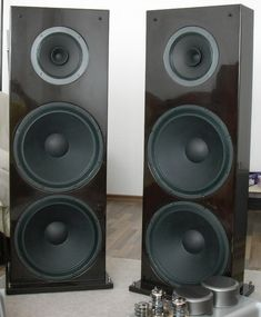 Open Baffle Design Using a Supravox 215RTF Bicone Full Range Driver and two Eminence Alpha 15A Woofer Drivers