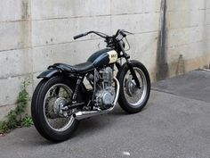 Brat Motorcycle, Motorcycle Tattoos, Retro Motorcycle, Classic Motorcycle, Custom Bikes, Custom Cars, Desert Sled, Yamaha Sr400, Sr 500