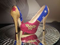 Wonder woman infants costumes Wonder Woman High Heel Glitter Shoes for Women by ChicUniqueGeek Hippie Look, Crazy Shoes, Me Too Shoes, Wonder Woman Shoes, Muses Shoes, Wonder Woman Birthday, Frauen In High Heels, Gladiator Heels, Glitter Heels