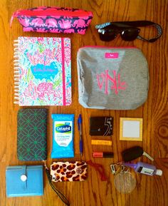 What's in my bag? {Everyday Tote Edition}