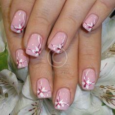 Pink nude Flower Nail Designs, White Nail Designs, Nail Art Designs, Spring Nails, Summer Nails, Cute Nails, Pretty Nails, Mickey Mouse Nails, Luminous Nails