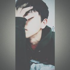 Cute Korean Boys, Cute Boys, Male Models Poses, Fake Girls, Snapchat Picture, Photography Poses For Men, Boys Wallpaper, Boys Dpz, Selfie Poses