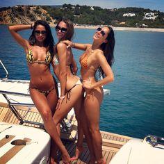 3 Hot Girls, 1 Boat, ahhhhhh SUMMER!