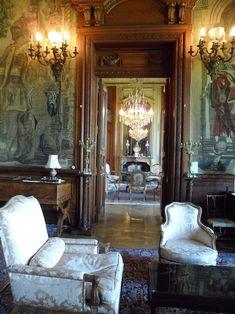 (Haute-Saône) Château de Villersexel Victorian House Interiors, Victorian Homes, French Interiors, Beautiful Interiors, Beautiful Homes, Style Français, French Style, Château Fort, Grand Homes
