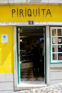 Eating in Lisbon, Portugal. Foodie guide. #portugalfood