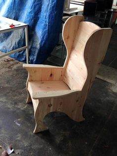 Adirondack chair, reclaimed wood DIY - Make this beautiful Adirondack Chair yourself! See this post for the Furniture Plans, instructions and supply list to build.