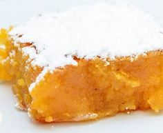 Torta de Santiago in 2019 No Egg Desserts, Great Desserts, Portuguese Desserts, Portuguese Recipes, Magic Cake Recipes, Sweet Recipes, Santa Clara, Food Wishes, Yummy Cakes