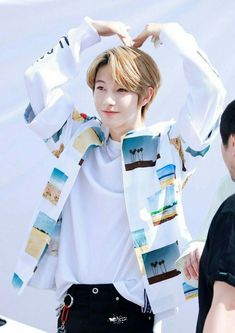 Heart up 😍 Taeyong, Jaehyun, Nct 127, Winwin, K Pop, Nct Debut, Johnny Seo, K Wallpaper, Huang Renjun
