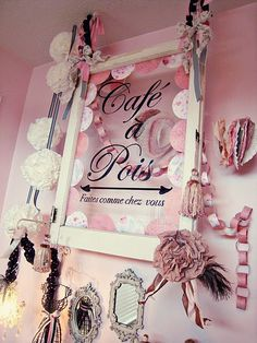 girl bedroom . pink & black