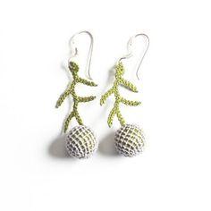 Oya-Ohrringe Wacholder grau (Nadelspitze) Punch Needle, Etsy, Drop Earrings, Jewelry, Made By Hands, Stuff Stuff, To Sell, Fashion Styles, Accessories