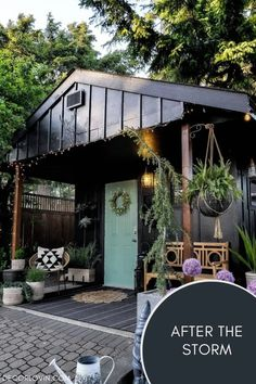 The best black paint colors for our home's exterior. Best House Colors Exterior, Exterior Paint Colors, Exterior Paint Color Combinations, Dark Paint Colors, Best Exterior Paint, Modern Color Schemes, Exterior Color Schemes, House Paint Exterior, Black Exterior