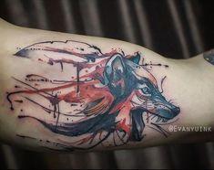 Tatuagem aquarela de lobo para homens