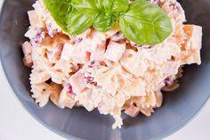 Tortellini, Potato Salad, Potatoes, Lunch, Bread, Ethnic Recipes, Food, Potato, Eat Lunch