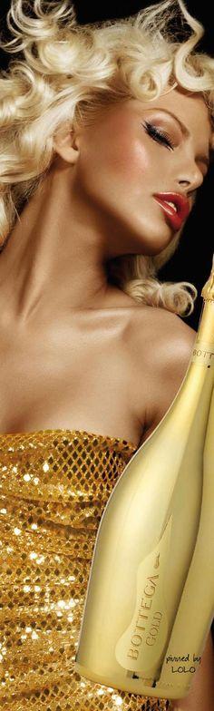 !!! Perfect red lip !!!                             Cheers...Bottega Gold §