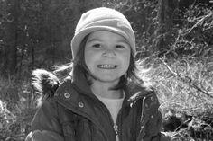 Fotoprojekt Usmej sa a zmen svet - vysmiata Evelinka, ktora bola na prechadzke v prirode s rodinou :) https://www.facebook.com/usmejsaazmensvet
