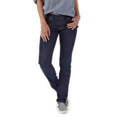 Patagonia skinny jeans made of 98% organic cotton and 2% spandex, so they are stretchy! An innovative dye process minimize energy and water use, and carbon dioxide emissions compared to conventional dyeing processes. Fair Trade Certified™ sewing