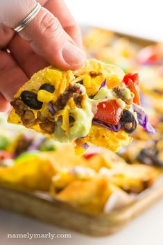 Myth: Vegans live a sad tired life eating a boring diet and spend hours in the kitchen. Truth: Baked Vegan Nachos are vegan delicious and oh so easy! Healthy Nachos, Vegetarian Nachos, Vegan Nachos, Baked Nachos, Best Vegan Recipes, Tea Recipes, Vegetarian Recipes, Snack Recipes, Snacks