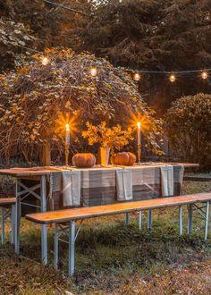 An antique beer garden table gets a modern makeover, plus a table decorating idea for an alfresco Thanksgiving.