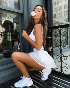 """kellybaxter: """"Lately i have been loving Alexis Ren's style. Her combination of dressing sexy and casual can make any girl feel envious of her wardrobe and stye. The way she makes her outfits looks. Sexy Outfits, Fashion Outfits, Moda Outfits, Skirt Outfits, Girls Fit, Pernas Sexy, Sexy Women, Foto Casual, Professional Attire"""