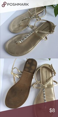 Thong sandals with gem detailing Gently worn, with minimal wear on sole of shoe. Bandolino Shoes Sandals