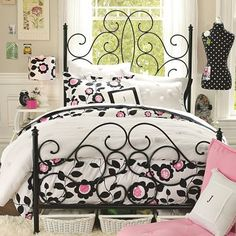 nouveau duvet - love this for a Paris-themed room for the big girls.